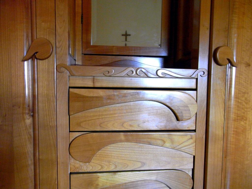 Armadio in legno di ciliegio naturale 2