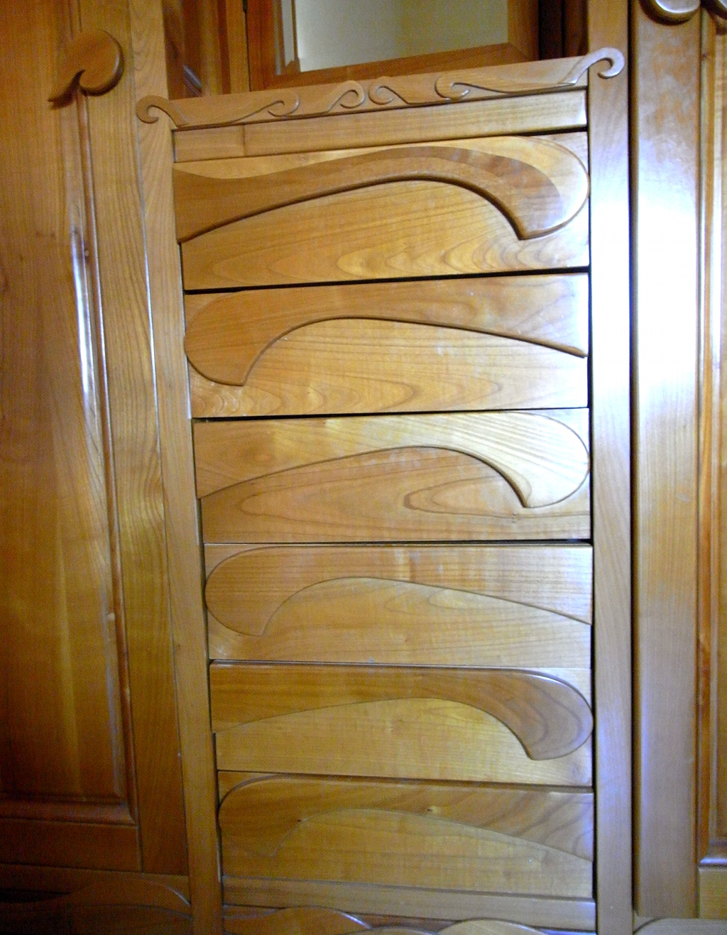 Armadio in legno di ciliegio naturale 3