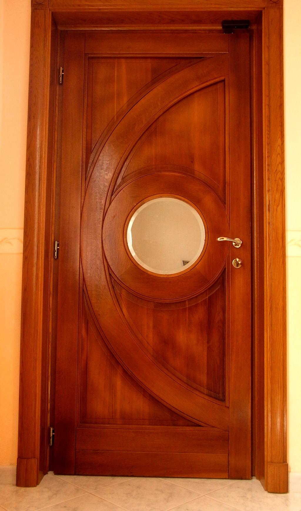 Portone in legno di Rovere con specchio interno rotondo